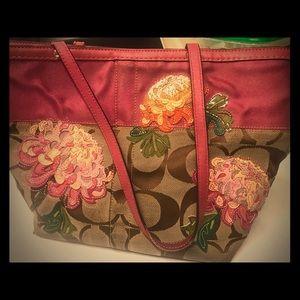 Floral appliqué coach classic tote purse